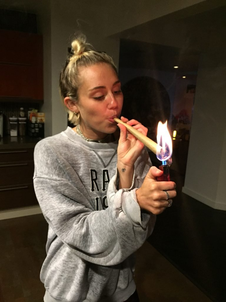 Miley Cyrus Nude Leaked The Fappening (23 Photos)