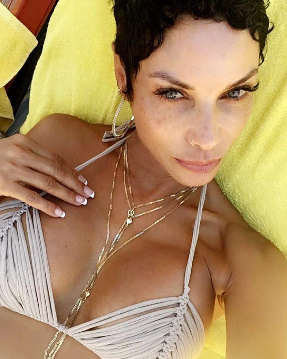 Sideboobs Tits Nicole Murphy  nude (58 pics), Facebook, panties