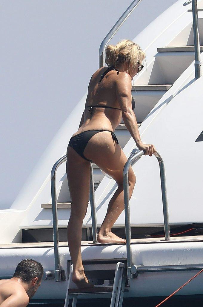 Pamela Anderson Sexy (131 Photos)