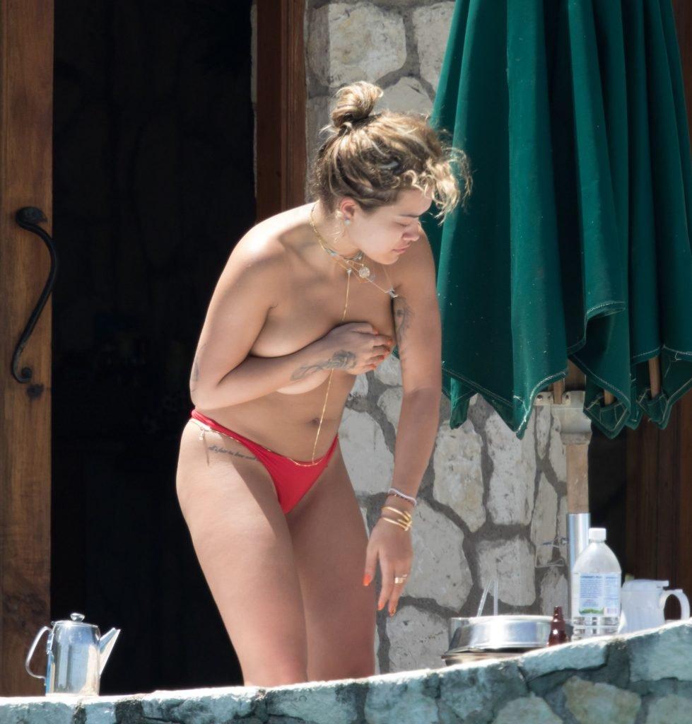 Rita Ora Topless (6 Photos)
