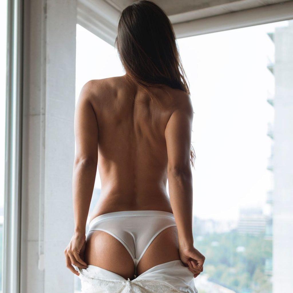 Samantha Rodriguez Topless (8 Photos)