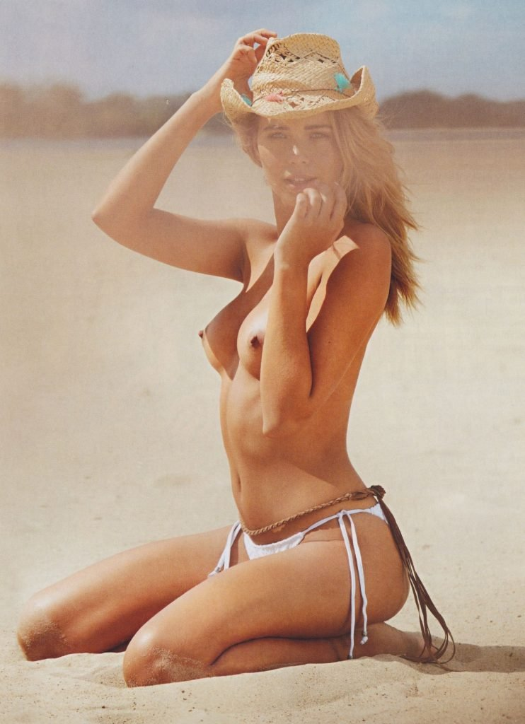 Sandra Kubicka Topless & Sexy (23 Photos)