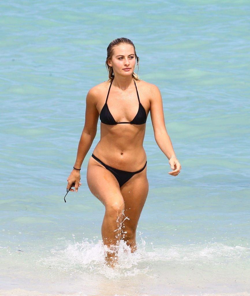 Selena Weber Sexy (47 Photos)