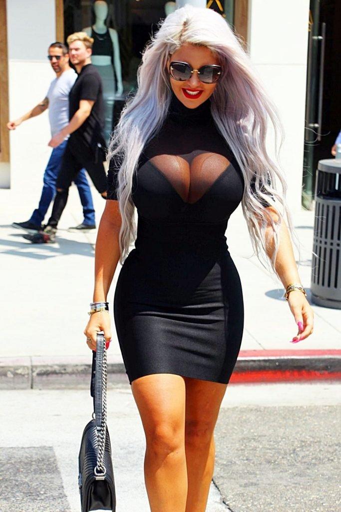 Sophia Vegas Sexy (18 Photos)