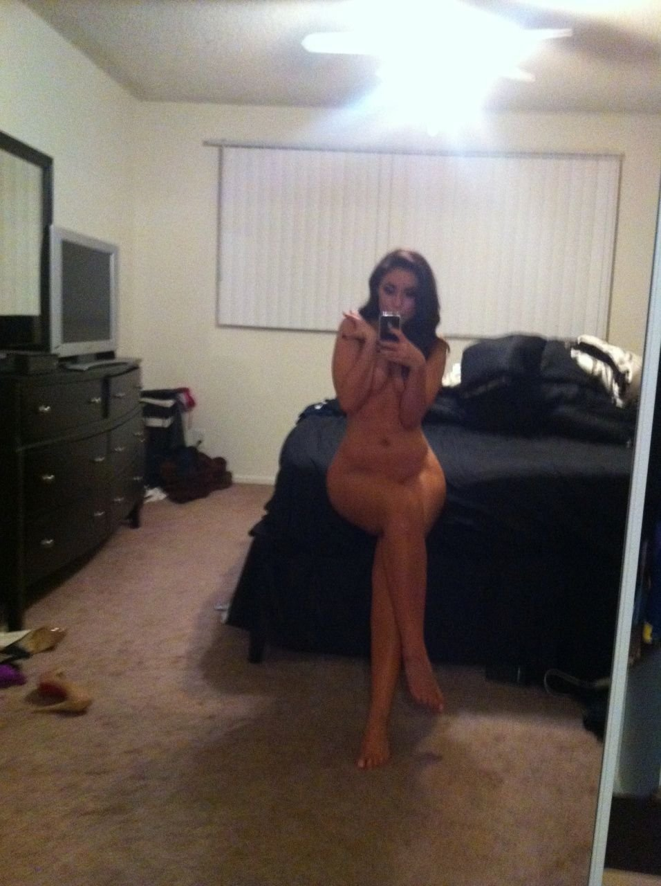 Uldouz Nude