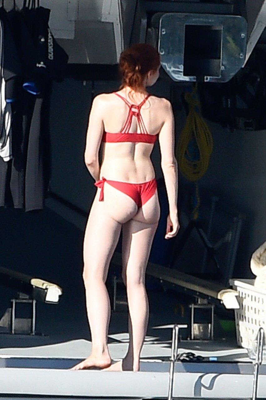 hot girls nude getting it