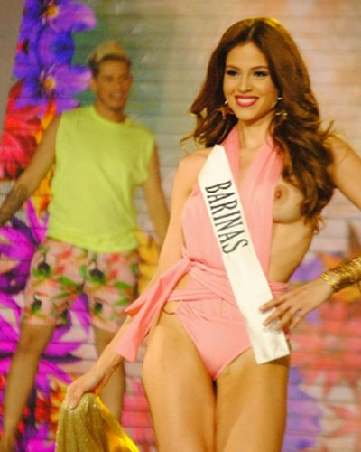 Video. miss venezuela wardrobe malfunction Muchas