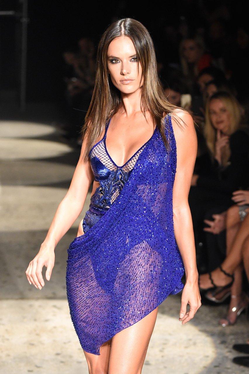 Alessandra Ambrosio Nude | #TheFappening алессандра амбросио
