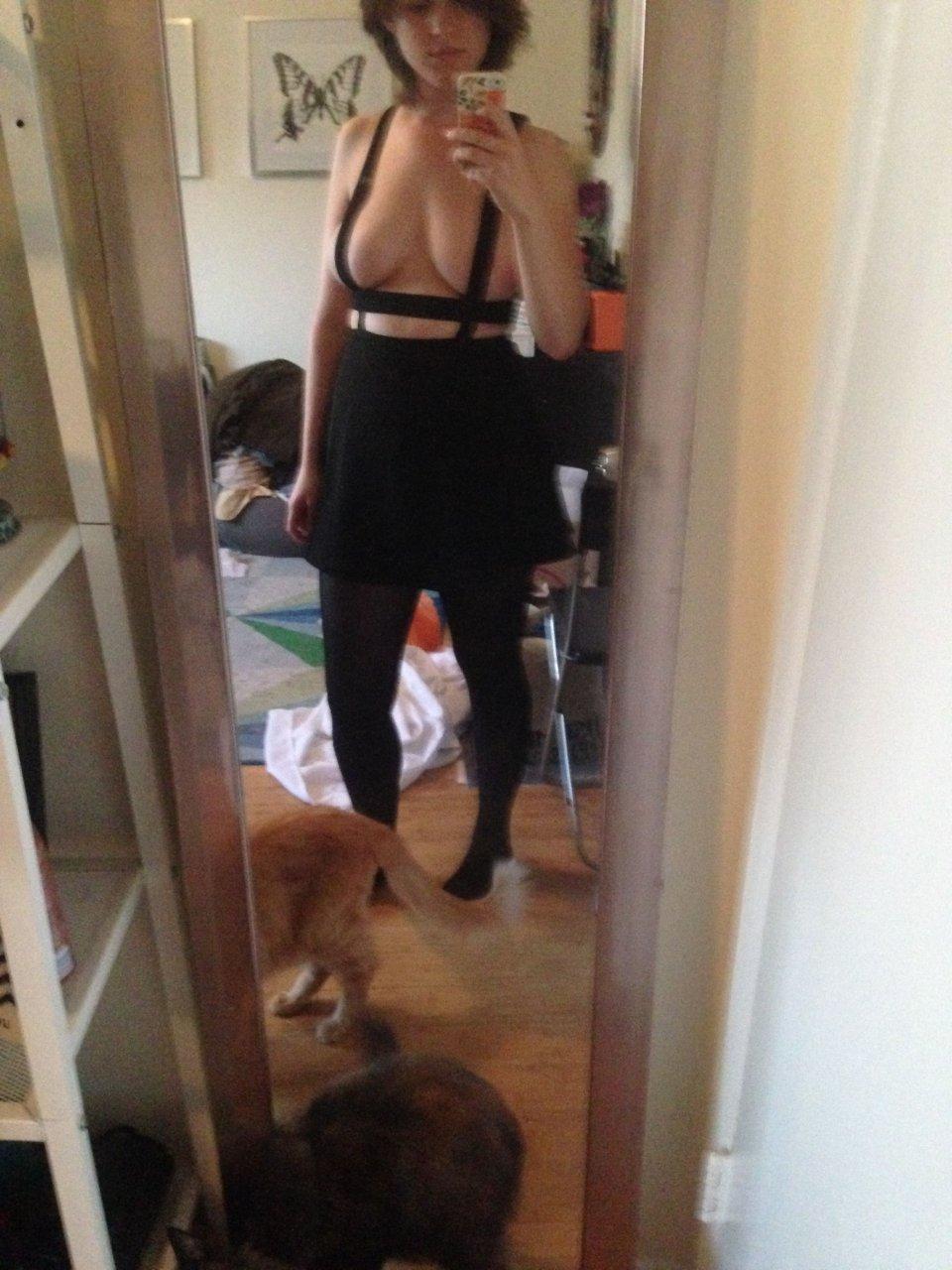 Allie Goertz Leaked Fappening (31 Photos) | #TheFappening