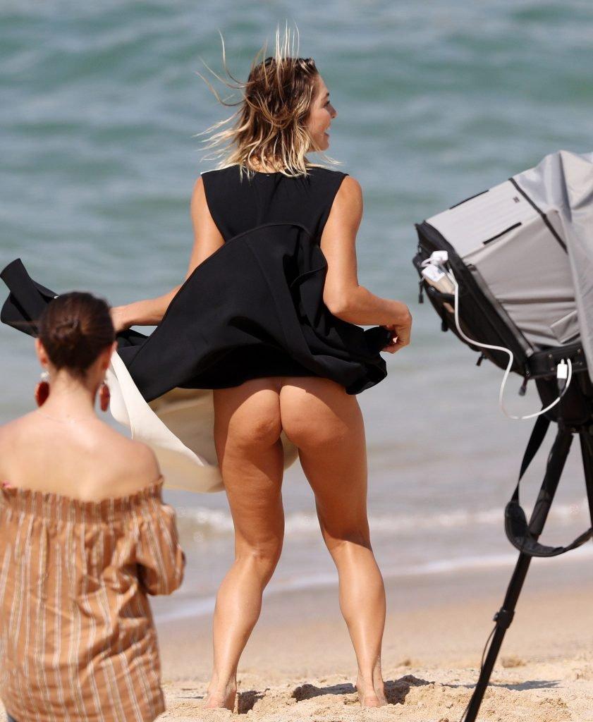 Ashley Hart Sexy & Topless (36 Photos)