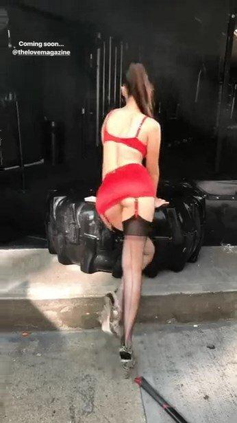 Bella Hadid Sexy (4 Pics & Gifs)