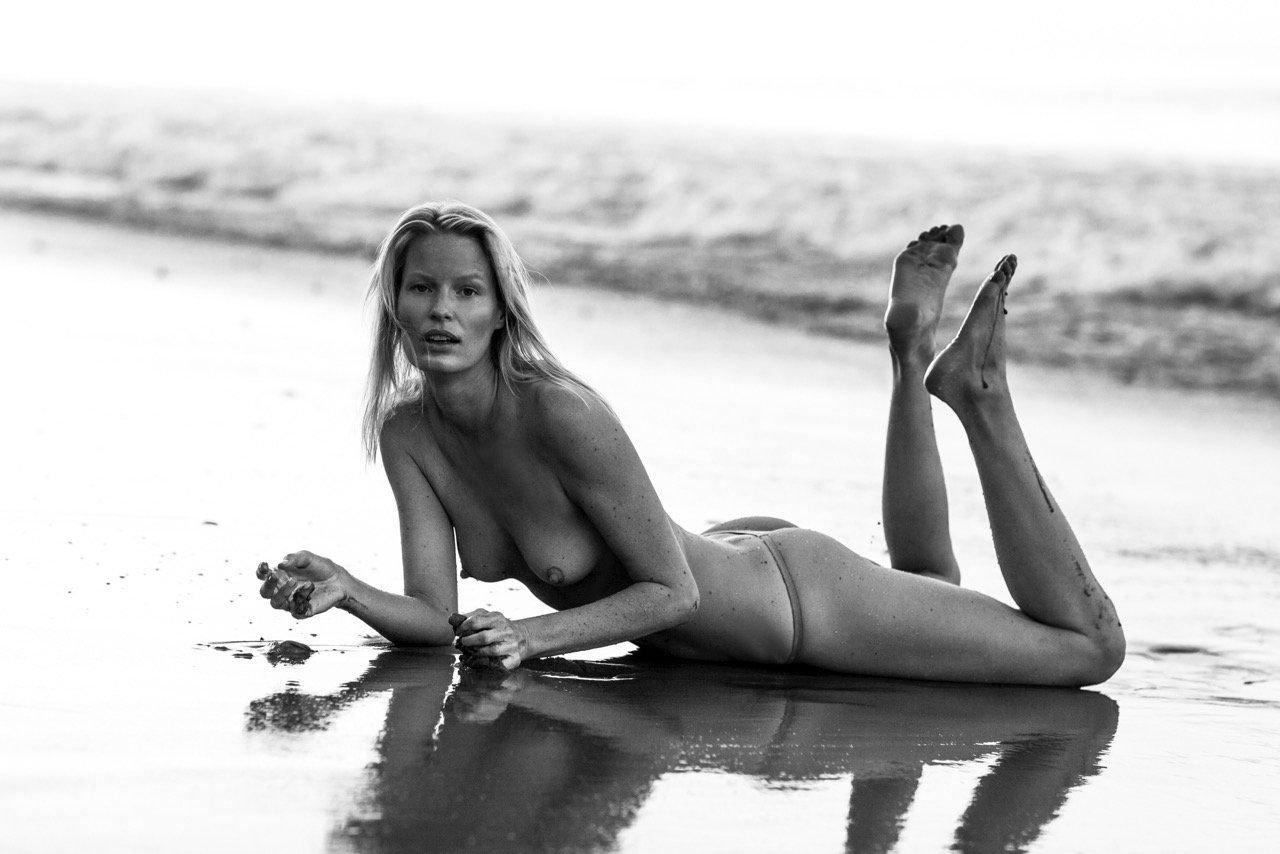 Caroline Graham Naked Under Shower