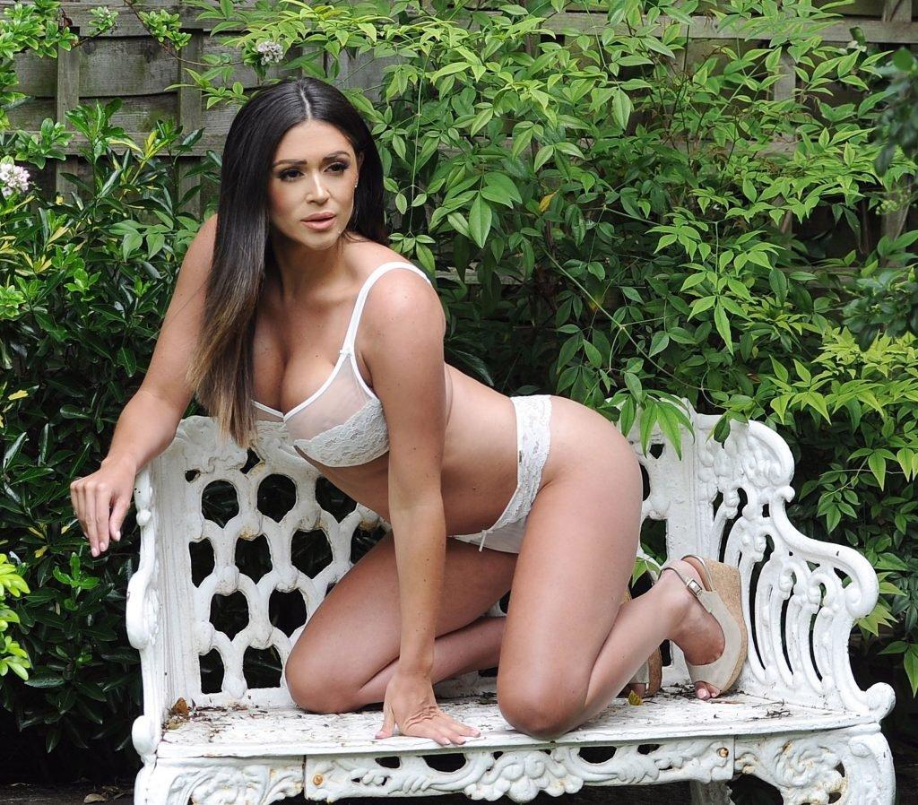 Casey Batchelor See Through & Sexy (18 Photos)