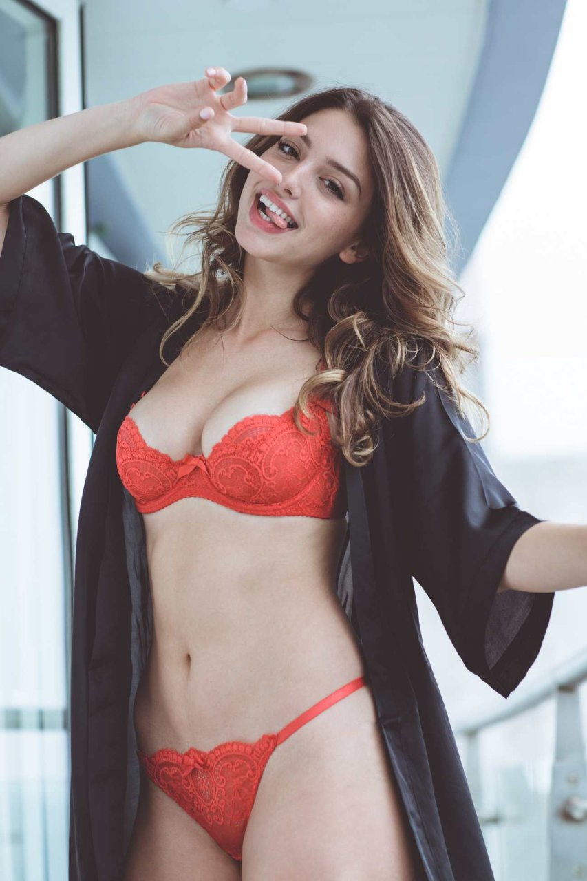 Celine Farach Sexy (27 Photos)