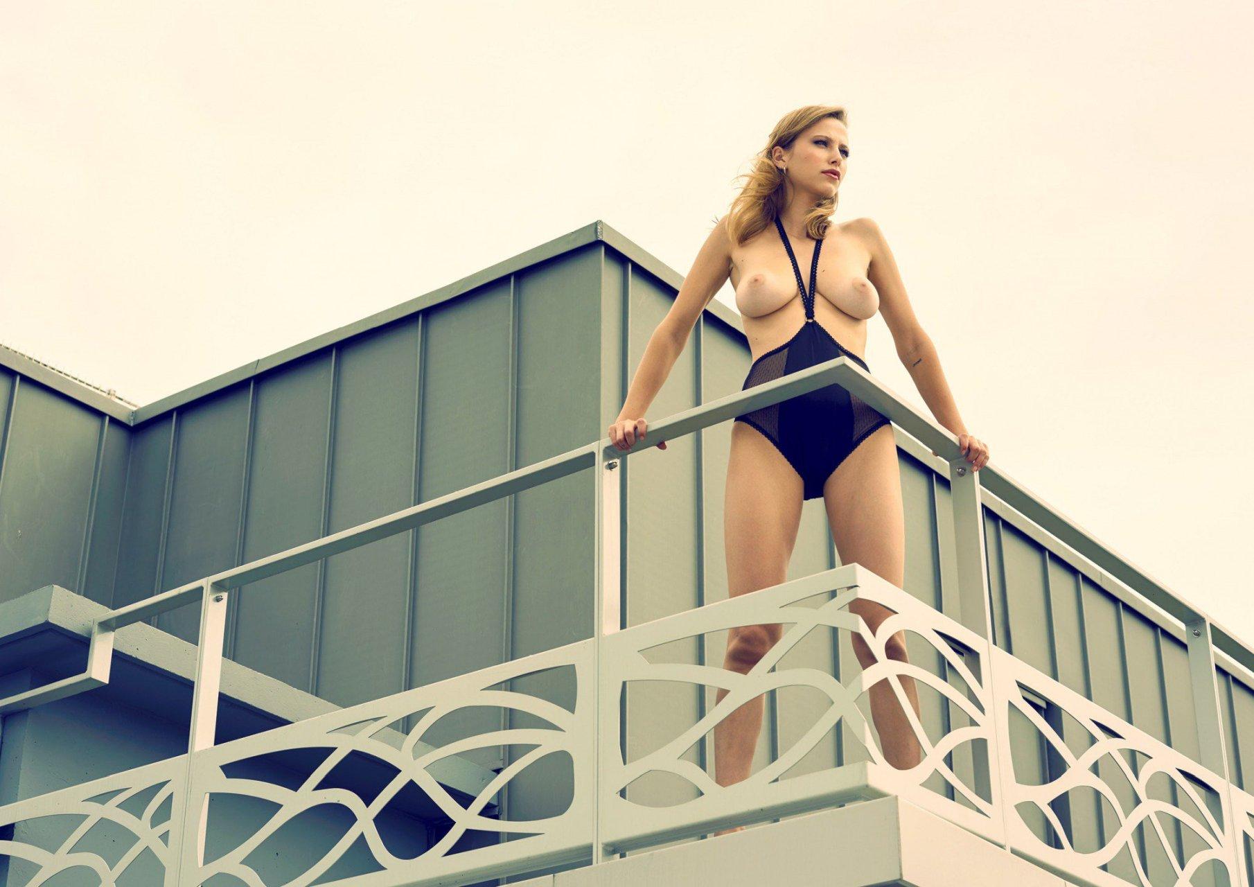 Sexy Sofia Vergara Nude Magazine Gif