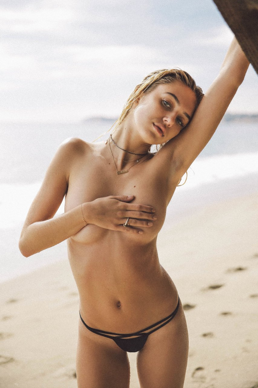 sexy topless photos