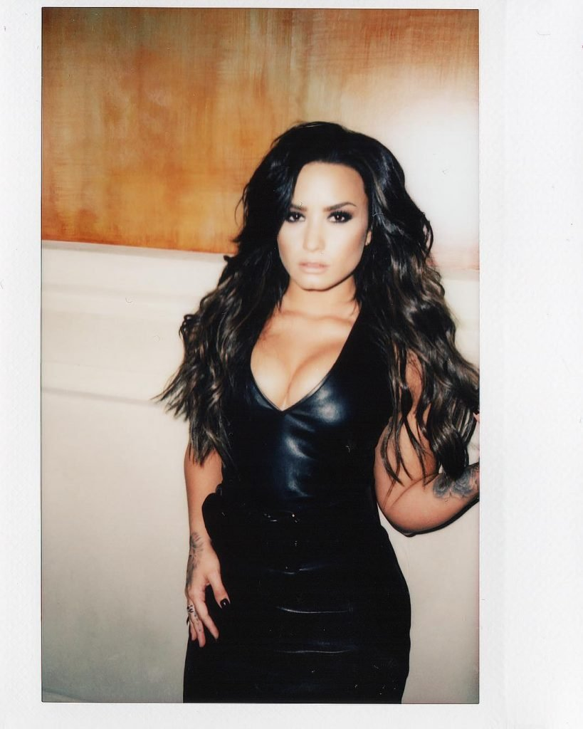 Demi Lovato Sexy (3 Photos)