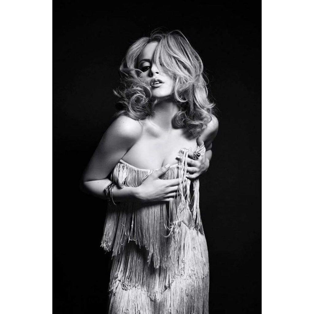Elizabeth Gillies Sexy (14 Photos + Video)