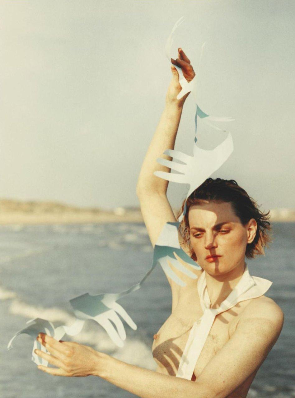 Helene de Fougerolles,C.Revel&more Jeanne Poisson - FR2006 nudes (34 pictures)