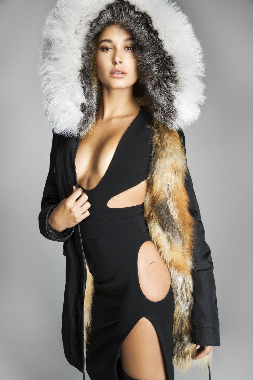 Hailey Baldwin In Fashion Magazine October 2017 Issue: Hailey Baldwin Tits