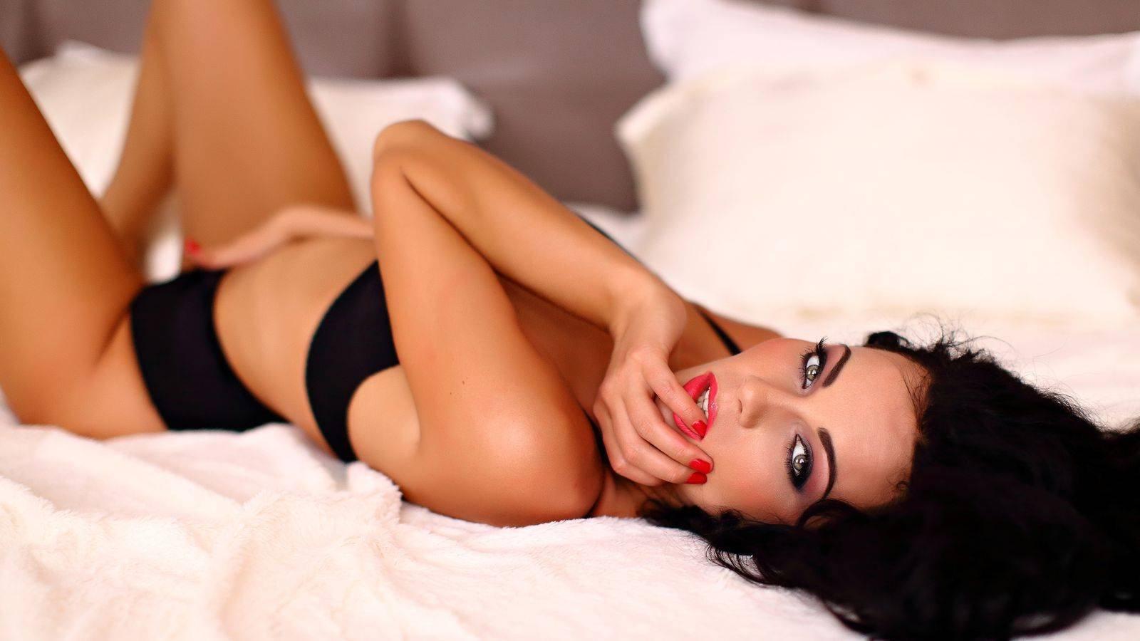 BEST Nude Celebrity Pics  100 FREE