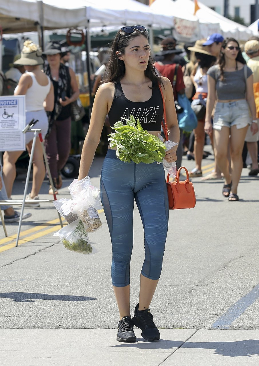 Isabelle Fuhrman Cameltoe (8 Photos)   #TheFappening