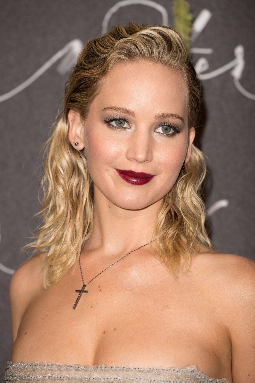 JENNIFER LAWRENCE at 88th Annual Academy Awards in