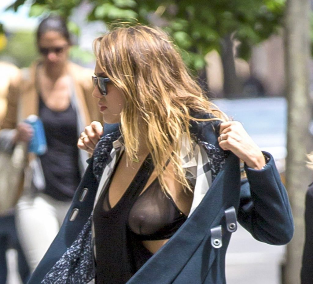 Jessica Alba See Through (7 Photos)