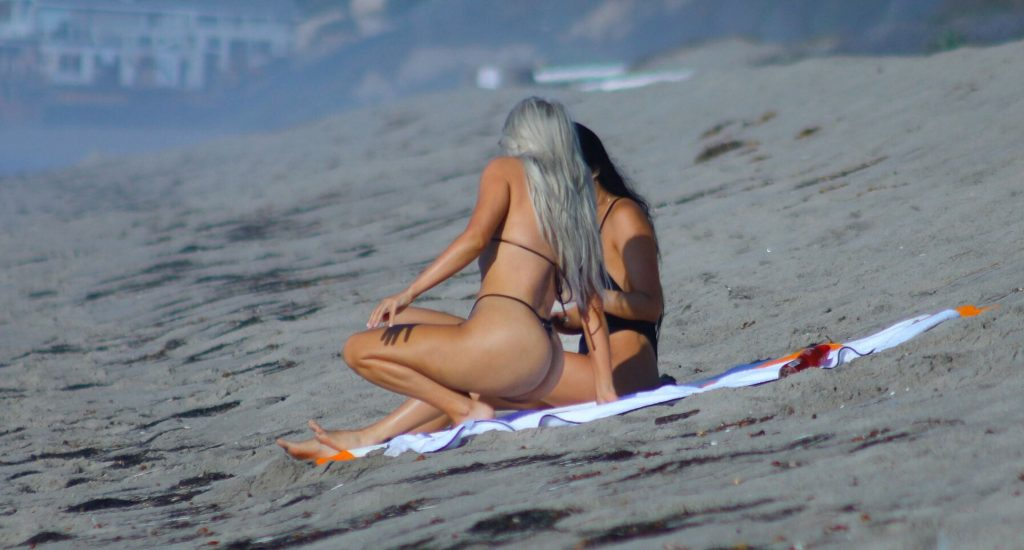 Kim Kardashian Sexy (19 New Photos)