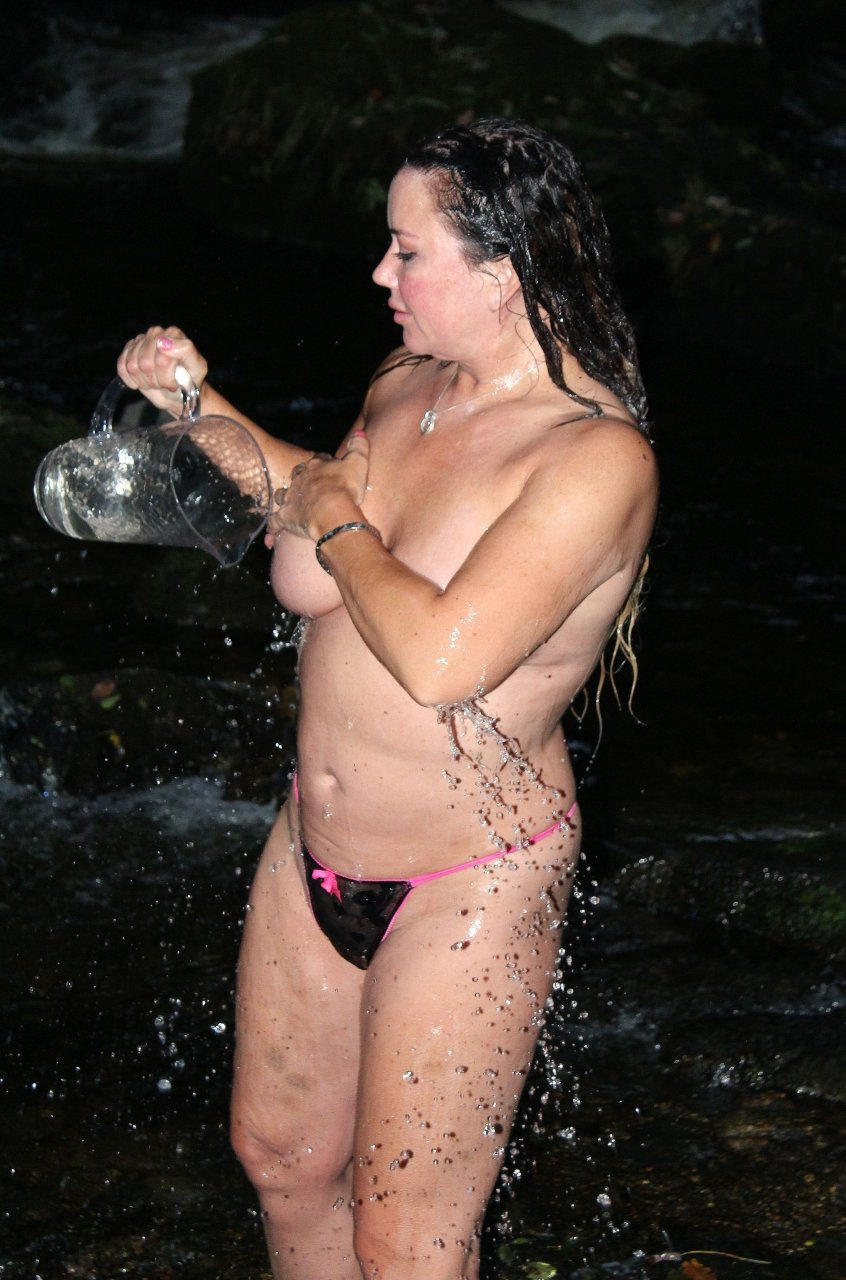liza naked