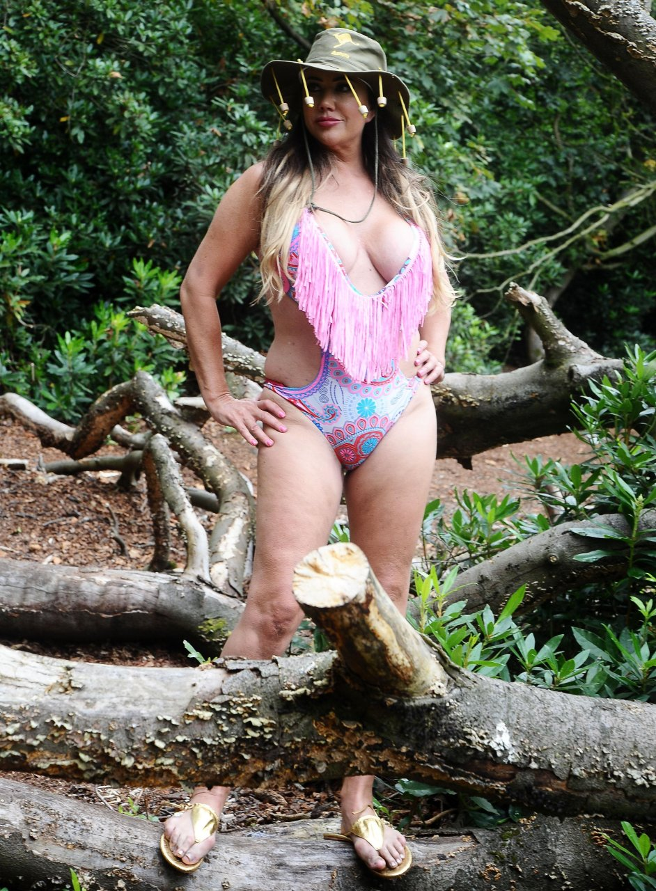 Lisa Appleton Sexy (12 New Photos)