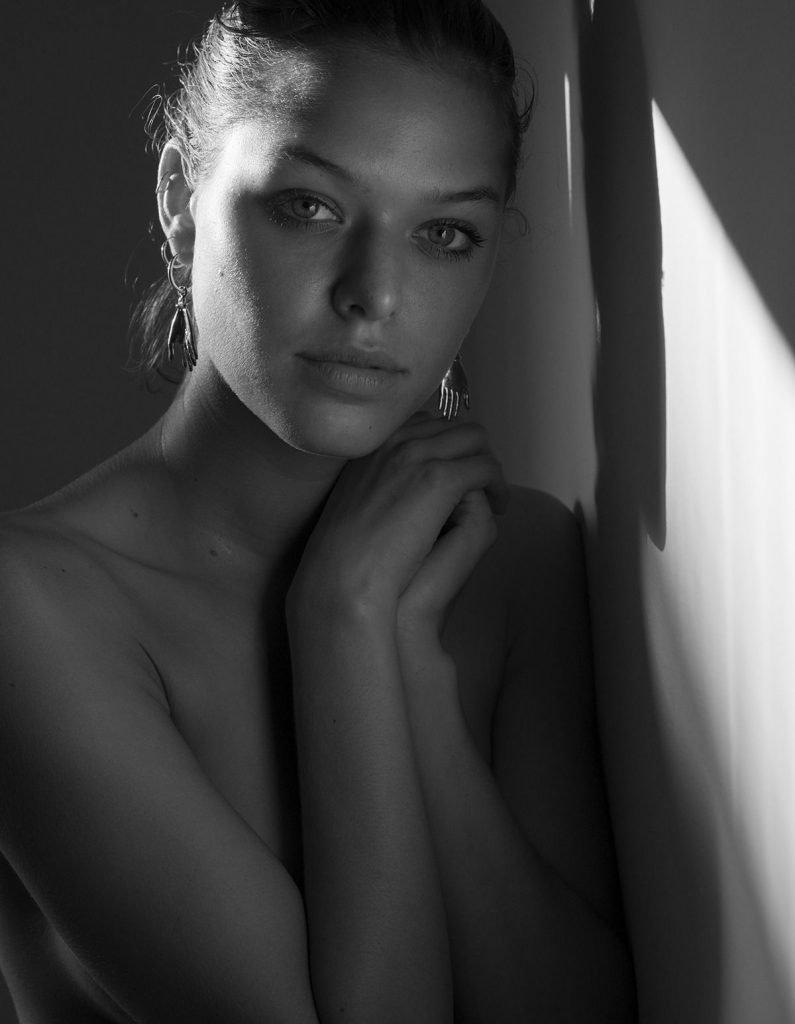 Marcela Vivan Nude (2 Photos)
