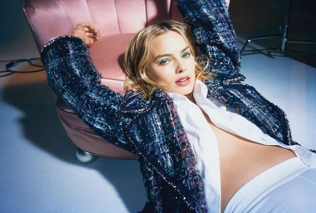 Margot Robbie Sexy (5 Photos)