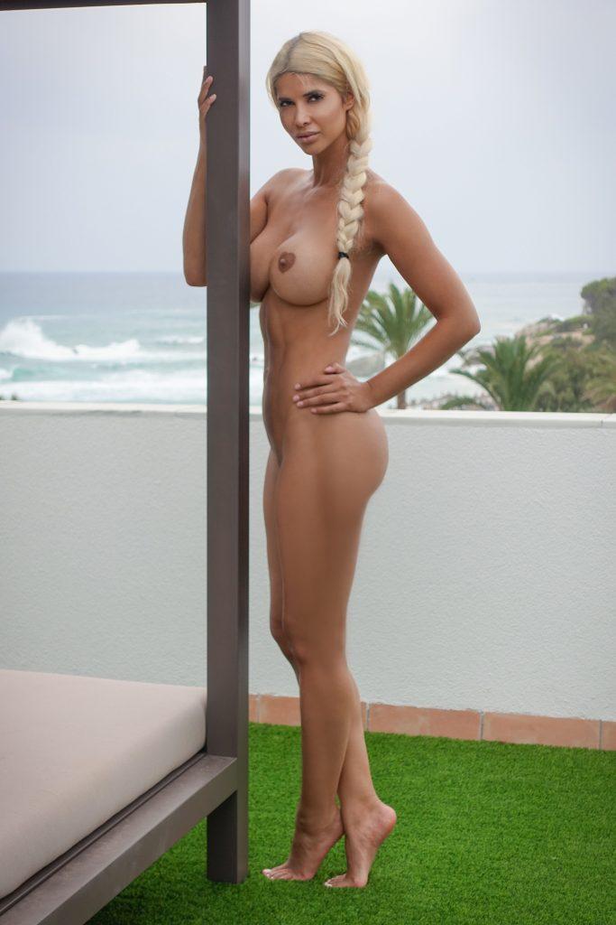 Micaela Schäfer Naked (12 Photos)