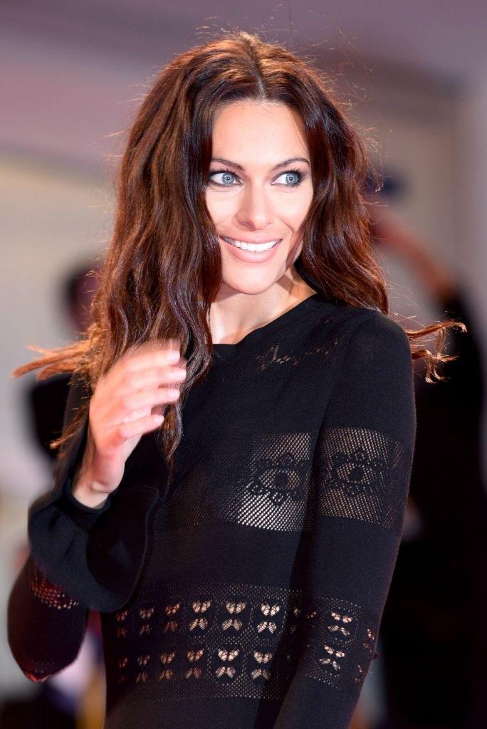 Paola Turani See Through (24 Photos + Video)