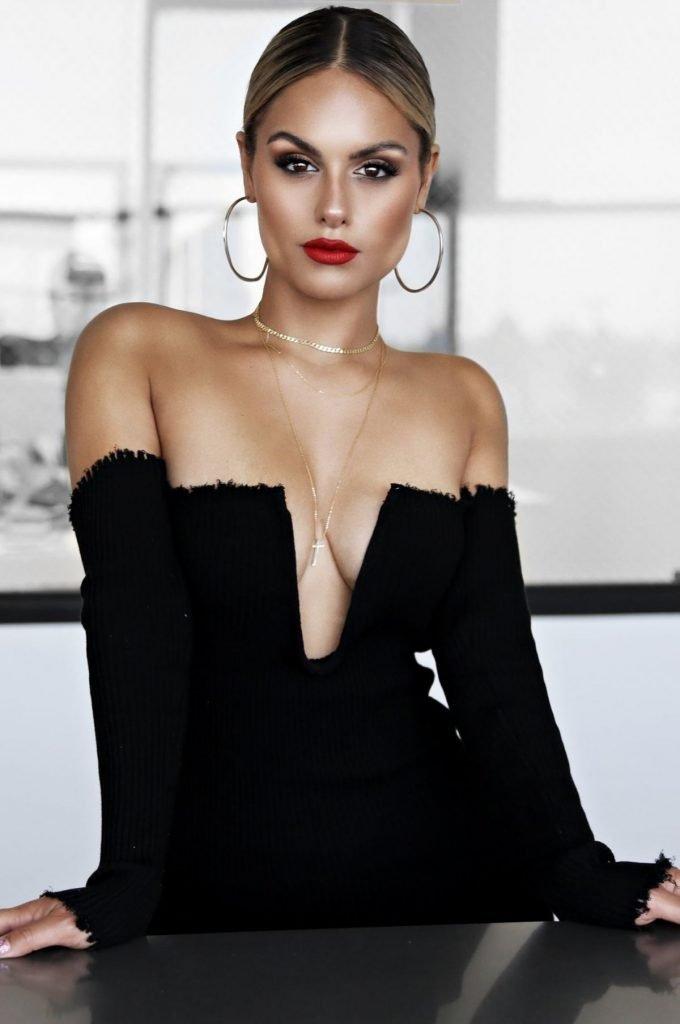 Pia Toscano Sexy (13 Photos)