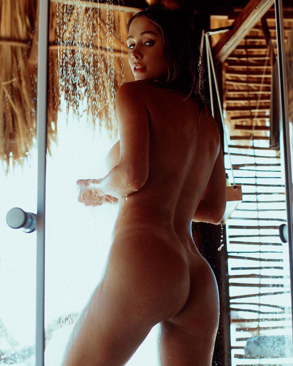 Sarah underwood naked