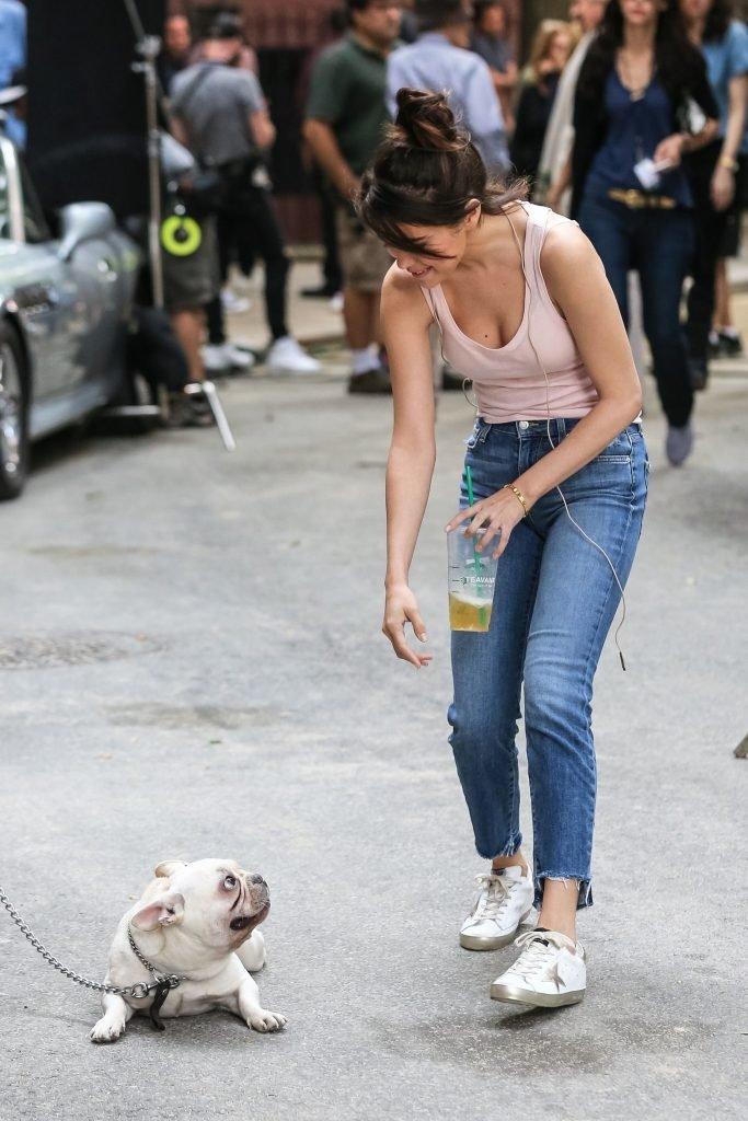 Selena Gomez Downblouse (8 Photos)