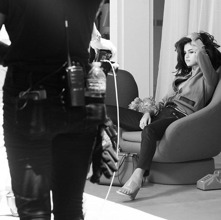 Selena Gomez Sexy (5 New Photos)