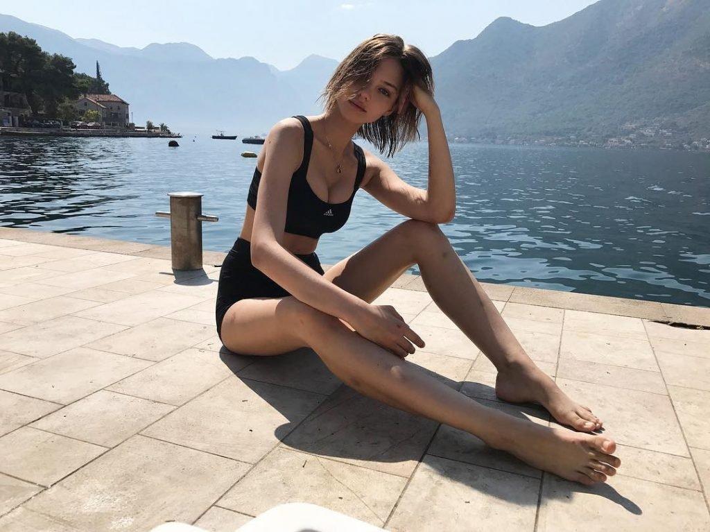 Alesya Kafelnikova Sexy (8 Photos)