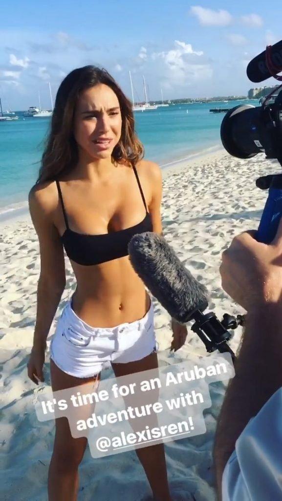 Alexis Ren Sexy (29 Photos + Gifs & Video)