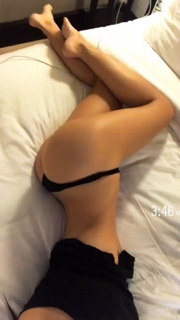 Alexis Ren Sexy (10 Photos + Gifs)