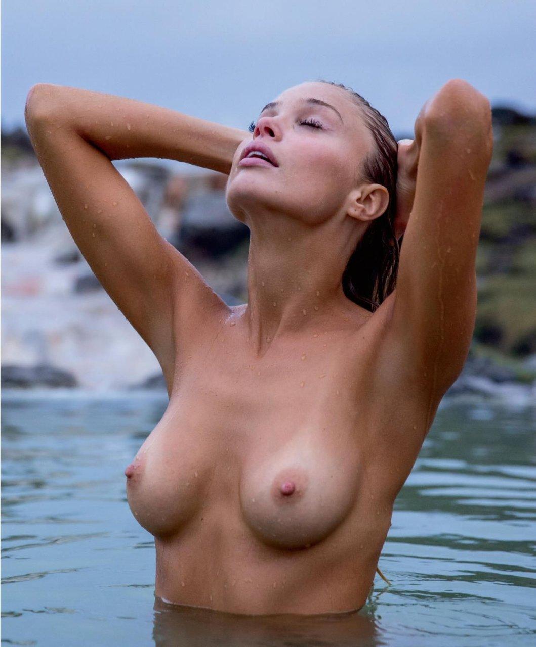 Nude girls group shower fun