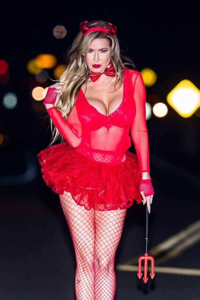 Ana Braga Sexy (15 Photos)