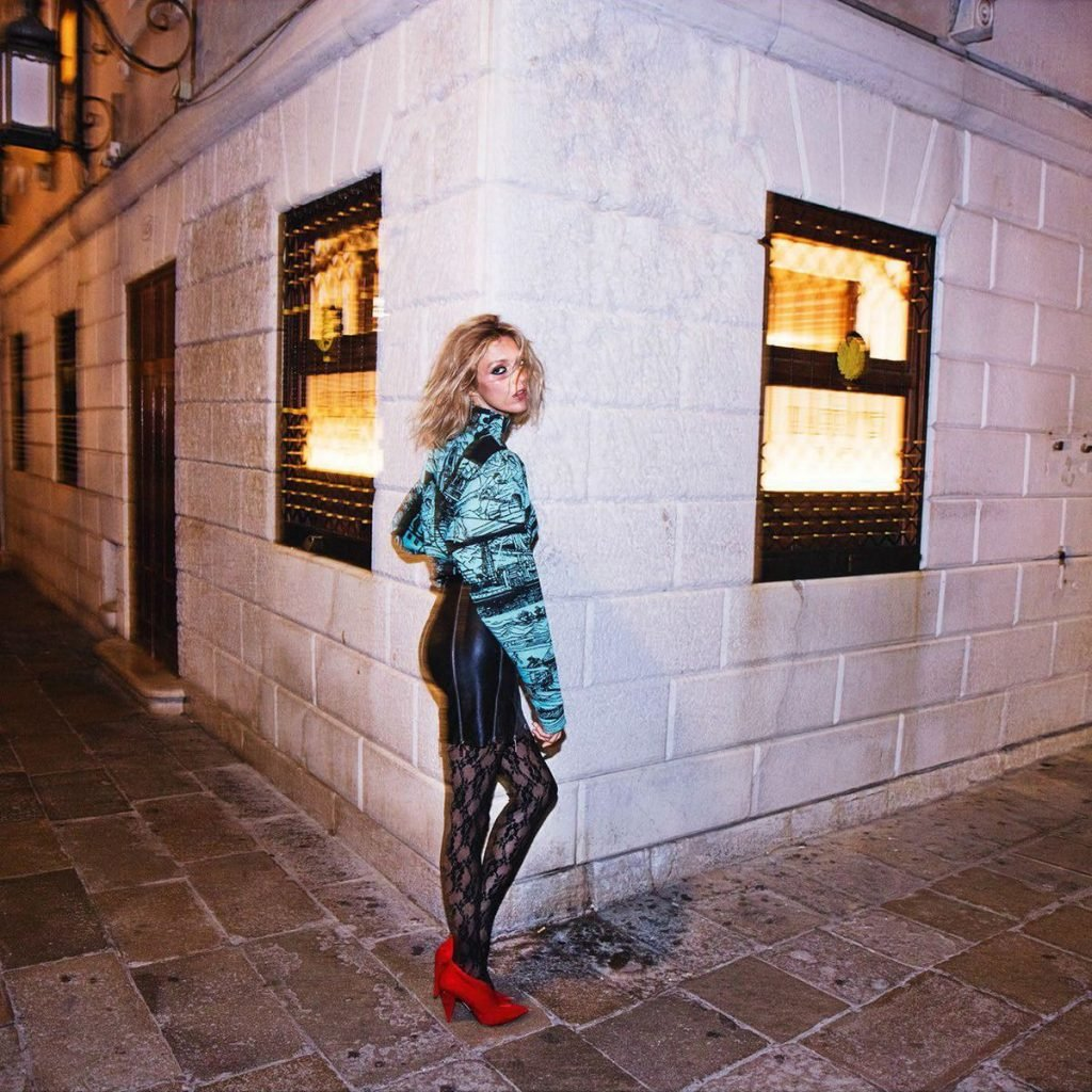Anja Rubik See Through & Sexy (18 Photos)