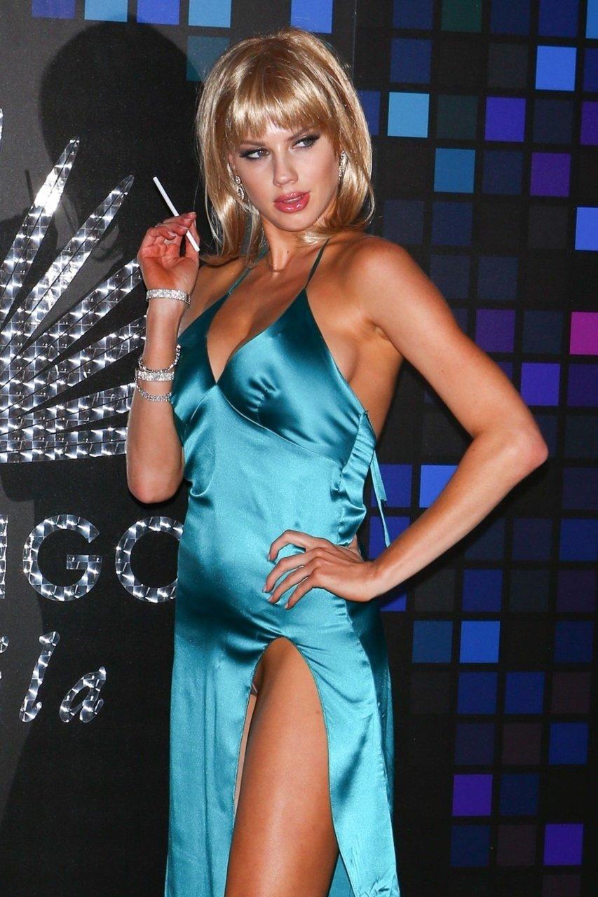 Miley cyrius sexy hot
