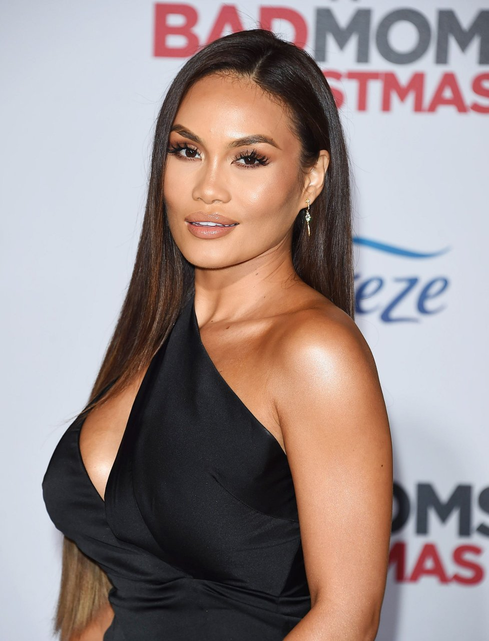 Daphne Joy Sexy (16 Photos + Video)
