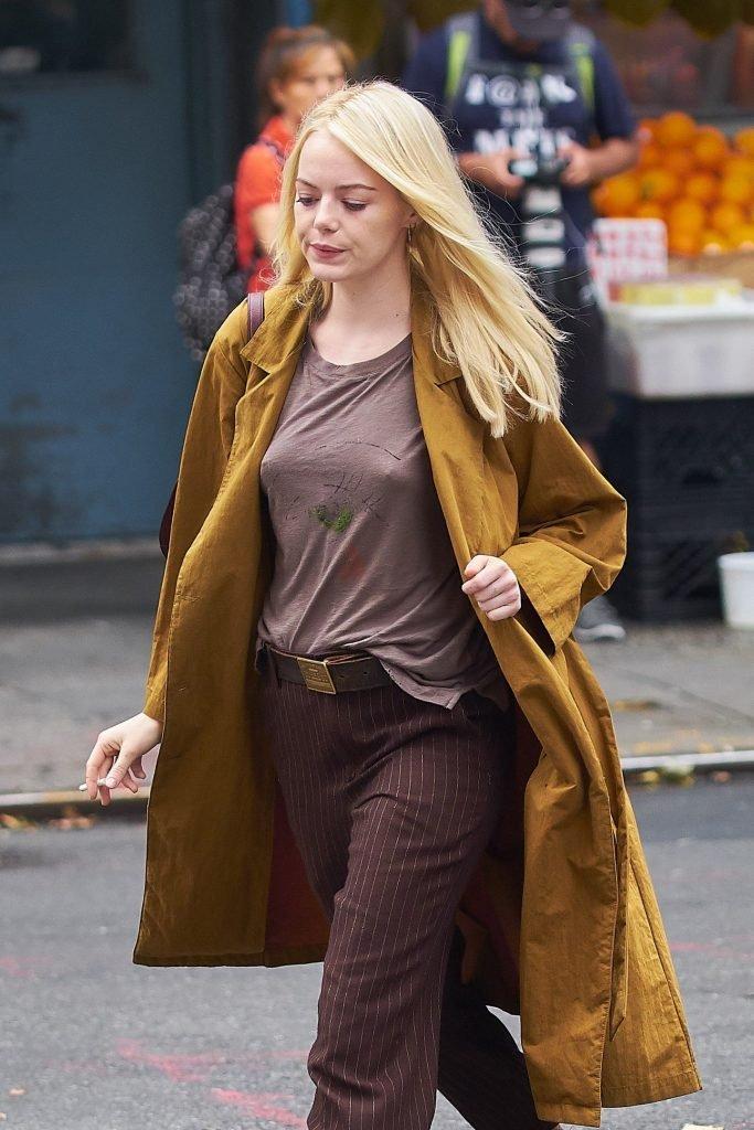 Emma Stone Pokies (9 Photos + Video)