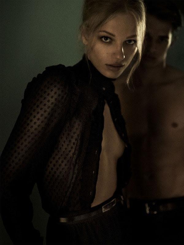 Frederikke Sofie Sexy & Topless (5 Photos)