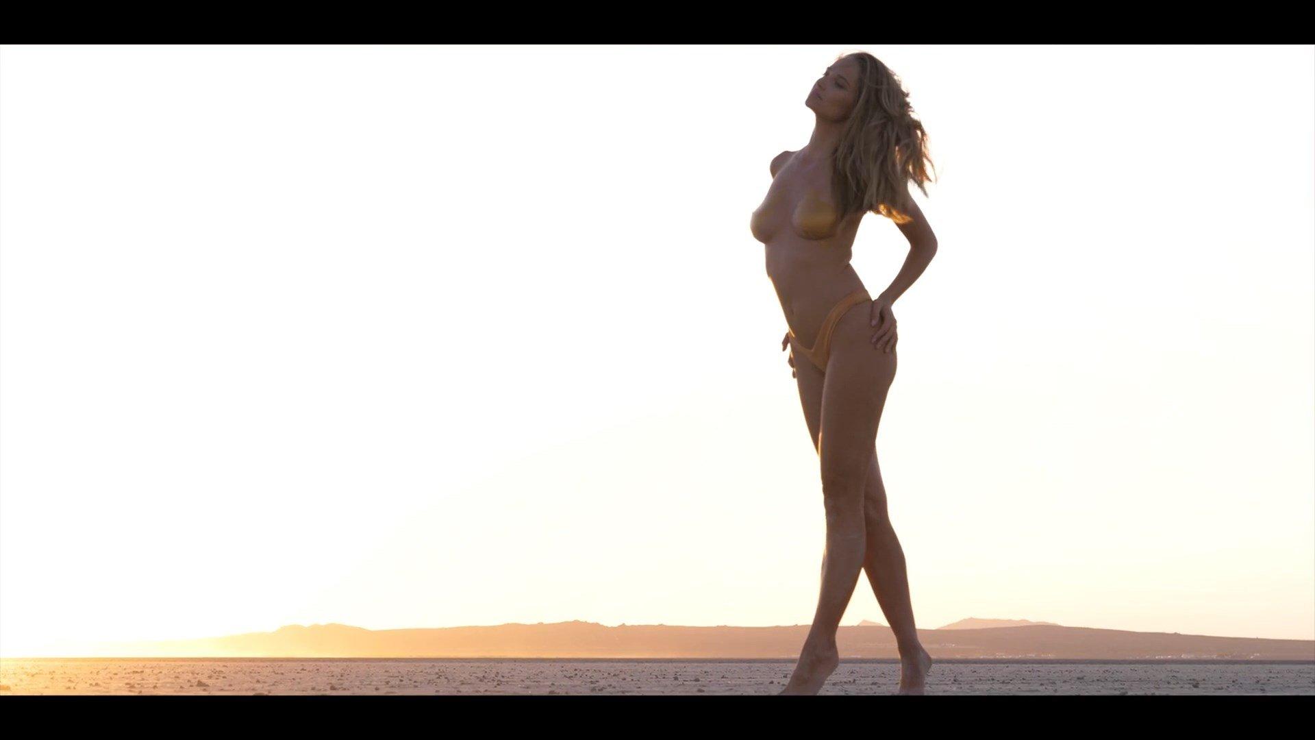 Maggie gyllenhaal the deuce s01e05 masturbate - 3 5